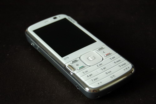 nokia-n79-canvas-white-07