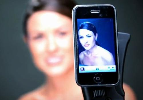 iPhone 3GS fashion model