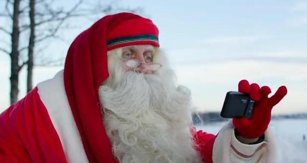 Nokia N8 Santa