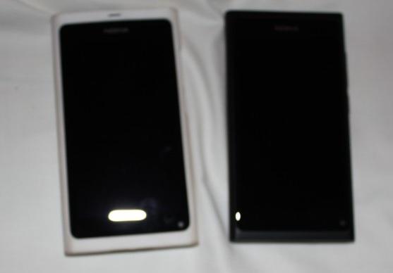 white and black Nokia N9