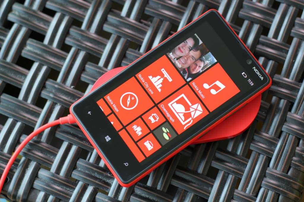 Nokia Lumia 820 wireless