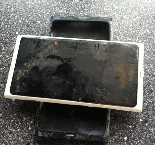 Nokia-Lumia-800-zalana
